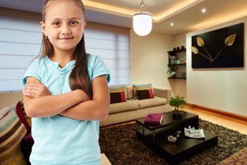 כך תשמרו על הילדים כשהם לבד בבית